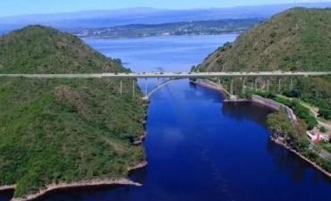 Construiran un puente que cruzará el lago San Roque