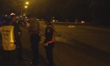 Motociclista chocó, cayó al asfalto y fue arrollado por un auto en Sinsacate