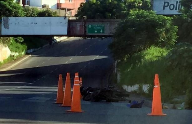 Atropelló y huyó en Córdoba: un motociclista está grave