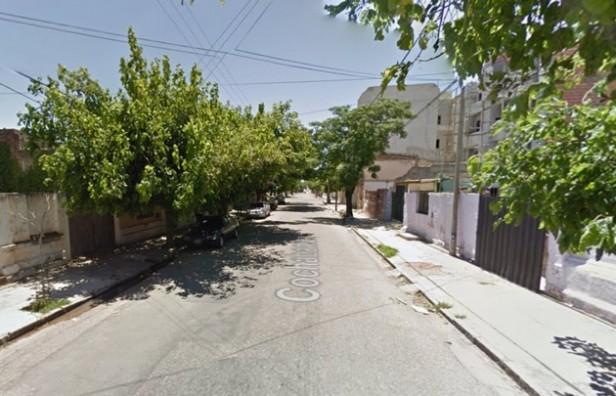 Explotaron tres autos en una cochera de Córdoba