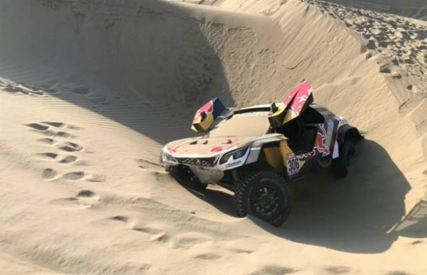 Sebastien Loeb debió abandonar el Dakar