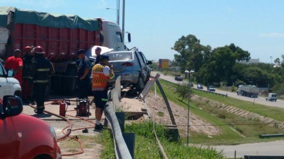 Accidente fatal en circunvalación deja al menos dos muertos