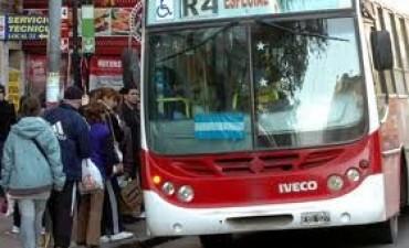 El Municipio admitió dificultades y demoras en el transporte
