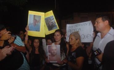 Multitudinaria marcha por las muertes de Andrea y Hernán