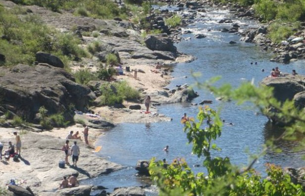 Se ahogó un joven en el río San Antonio en Cuesta Blanca