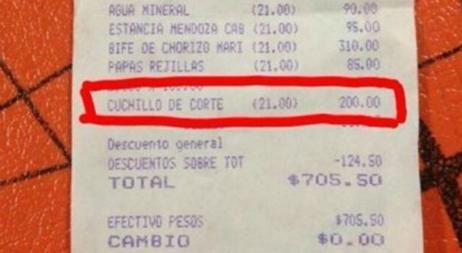 Pidió que le cambiaran el cuchillo en un restaurante y le quisieron cobrar 200 pesos