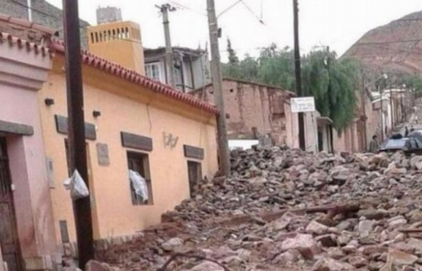 Graves destrozos en Tilcara por un alud de piedra y barro