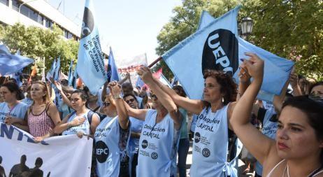 Otra semana de paro y marchas docentes en Córdoba