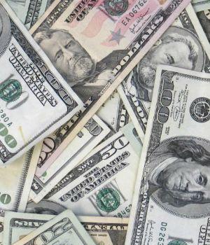 Nueva intervención del Central para mantener al dólar