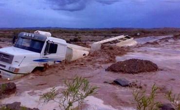 Más de 1000 evacuados por las intensas lluvias en Neuquén