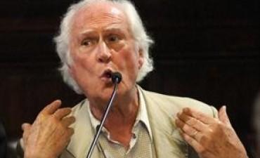 Pino Solanas confirmó su rechazo a Roberto Carlés