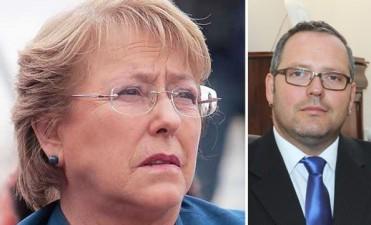 """Bachelet admitió la """"imprudencia ética"""" de su hijo al hacer negocios"""