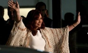 Cristina Kirchner en Buenos Aires para declarar ante la Justicia