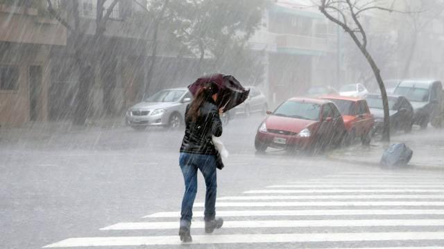 Rige a ulerta por tormentas fuertes para el centro del país