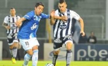 Talleres perdió ante Atlético Tucumán y se complicó más con el descenso