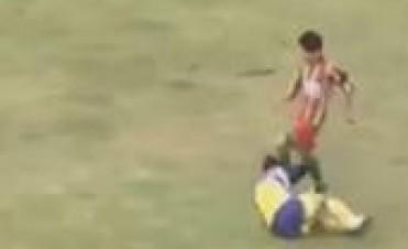 Drama en una liga regional: murió un futbolista por un golpe en la cabeza