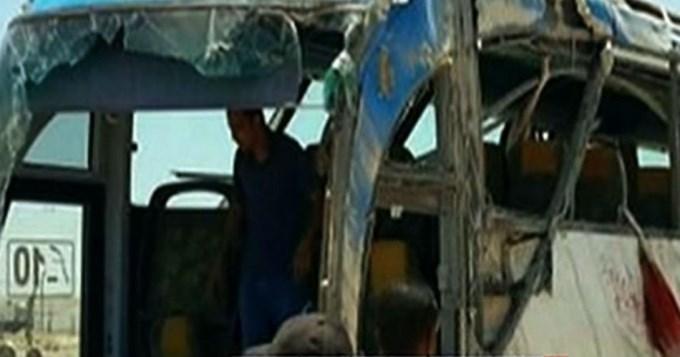 26 muertos por atentado a colectivo en Egipto