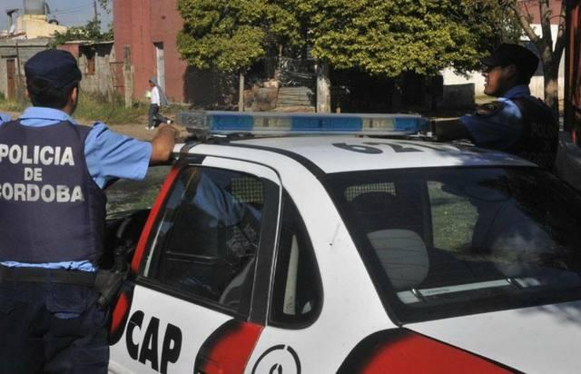 Balearon en la cara a un policía en un country de Córdoba