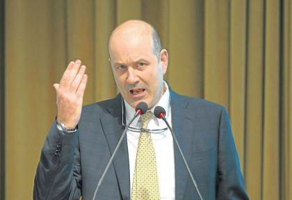 """El FMI le pide """"un plan"""" a Macri, que busca más fuentes de respaldo"""