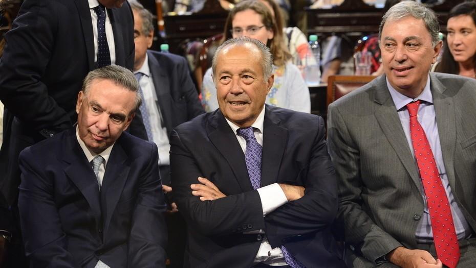 Mauricio Macri se reunió con senadores con el foco puesto en el crédito del FMI