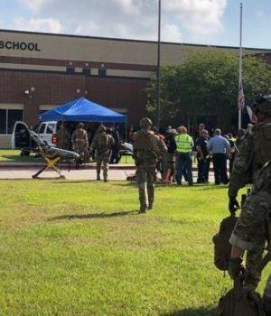 Entró a los tiros en secundaria de Texas y mató a diez personas