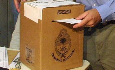 En Córdoba se vota en 105 municipios