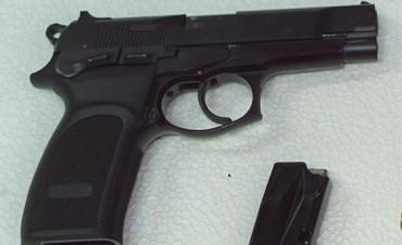 Una alumna de 6 años tenía un arma calibre 38 en la mochila