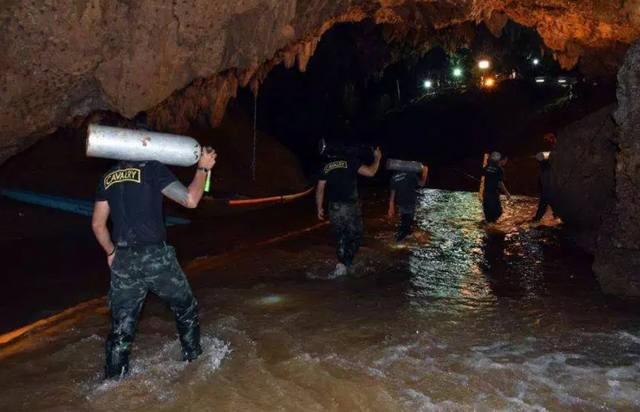 Ya son ocho los niños rescatados de la cueva en Tailandia