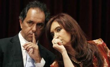 La Presidente ordenó a la obsecuente tropa K que deje de hostigar a Daniel Scioli