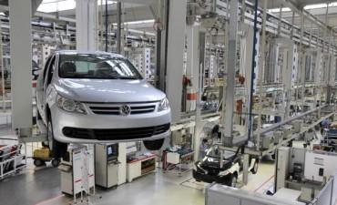 Volkswagen suspende 350 operarios cuatro días