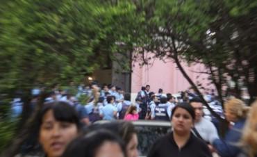 Reicorporarán a 38 agentes policiales imputados por el motín que causó los saqueos en diciembre del 2013