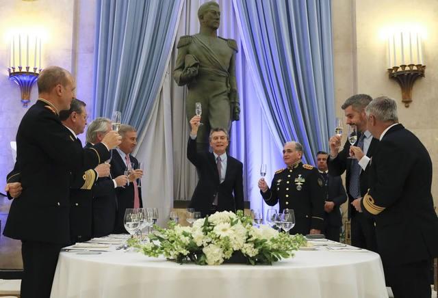 Macri pidió a militares trabajar para modernizar las FF.AA.