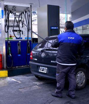 YPF subió otra vez sus naftas