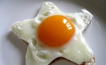 Nutricionistas aseguran que el huevo no sube el colesterol