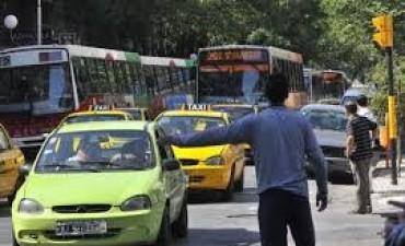 Polémica por remises interurbanos en Córdoba