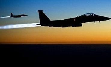 Aviones atacan el principal feudo yihadista en Siria