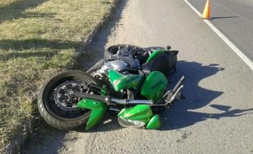 Un motociclista arrolló a un cochecito con una niña y la mató
