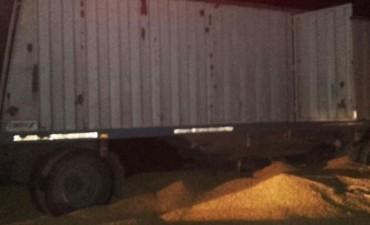 Hallaron muerto a un niño en un acoplado cargado con maíz en el sur de Córdoba