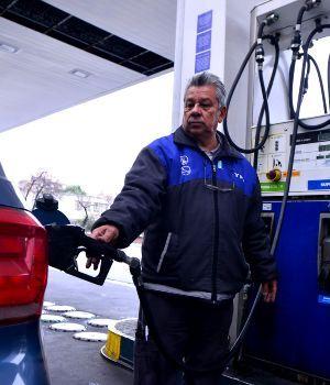 Esperan más aumentos en las naftas
