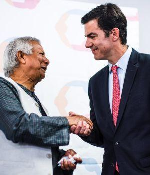Urtubey habló de pobreza junto con el Premio Nobel Yunus