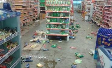 Sin Policía.Saqueos en Ituzaingó y SEP, cierran supermercados para protegerse