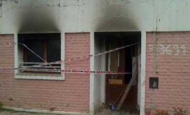 Salvaron de las llamas a dos nenes que se encontraban solos en su casa
