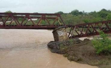 Temporal en Salta: provocó derrumbe de un puente y dejó más de 90 evacuados