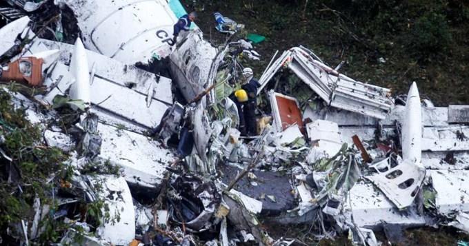 Confirman que el avión de Chapecoense tenía combustible limitado
