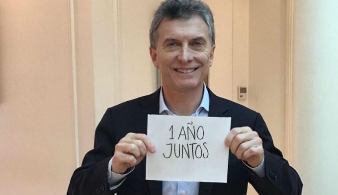 Macri festejó su aniversario en las redes sociales