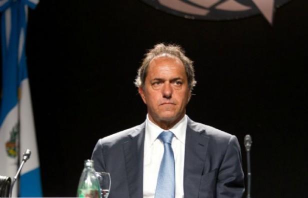 Allanaron siete propiedades vinculadas a Daniel Scioli