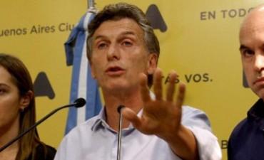 Macri firmó un decreto para proteger la libertad de prensa