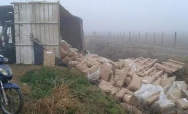 Marcos Juárez: volcó un acoplado cargado con harina