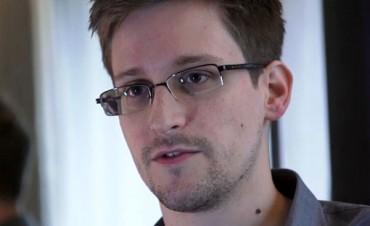 Rusia otorgó el asilo a Edward Snowden