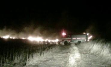 Combaten focos de incendios en Despeñaderos y Obispo Trejo